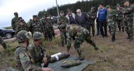 Huidobro, durante las maniobras militares en Soriano